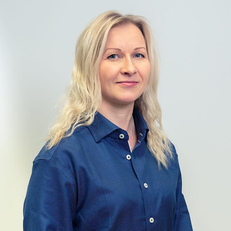 Sakela Rakennus Oy - Yhteystiedot - Kirsi Holappa