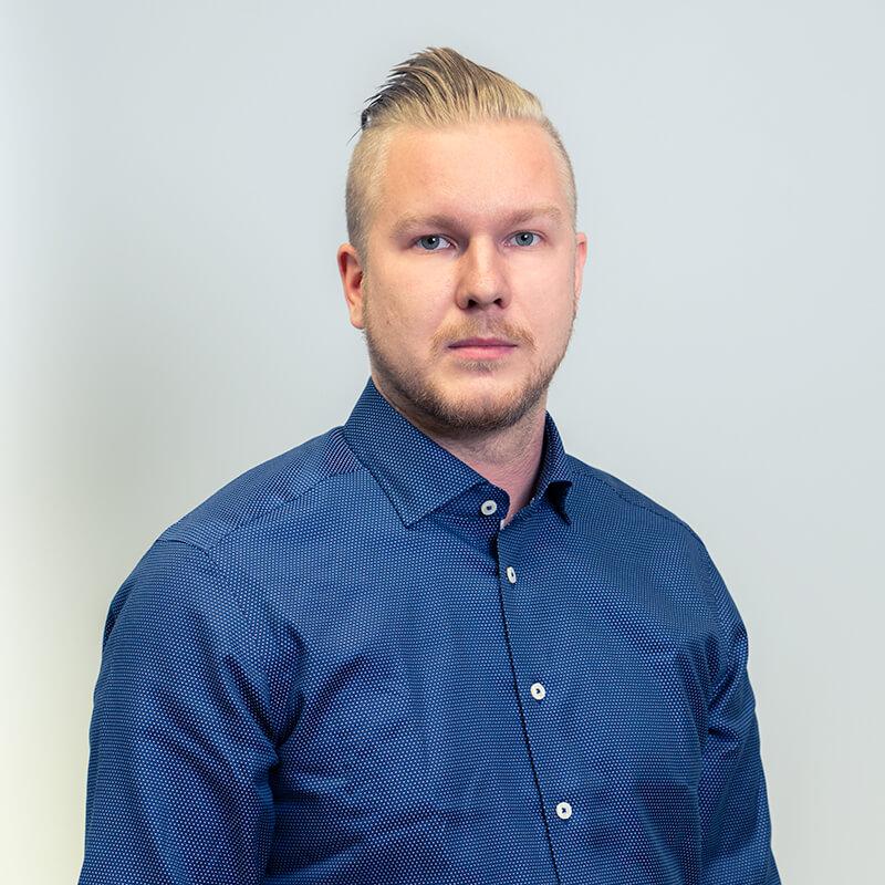 Sakela Rakennus Oy - Yhteystiedot - Matias Tölli