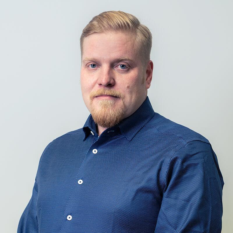 Sakela Rakennus Oy - Yhteystiedot - Tuomo Heikkinen